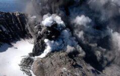 issue37_volcanoes_teaser